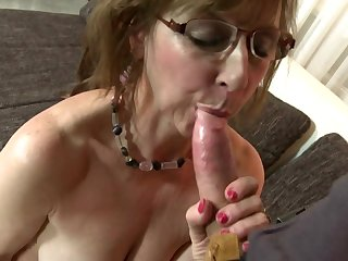 Mature sexbomb mother fucks young boy..