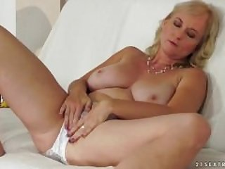 Hot mature love young cock