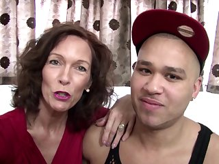 Real mature mom fucked by young not her..